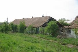 Znicena-budova